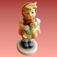 1967 Goebel Girl With Doll Hummel Figurine #289