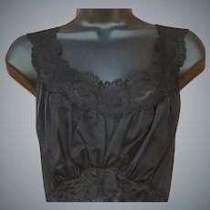 1950s Nightgown Lace and Layers Size Medium