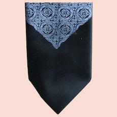 Sophisticated 1960s Narrow Necktie Classy Cravat