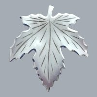 Sterling Silver Maple Leaf Pin 1.7 Grams