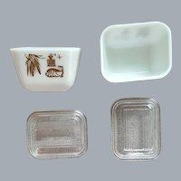 2 Vintage Pyrex Refrigerator Dishes Minty
