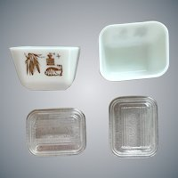 2 Vintage Pyrex Refrigerator Dishes Minty