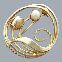 Pearl Circlet Brooch Pretty Accent Pin 1960s MCM