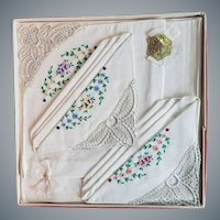 1940s Embroidered and Lace Handkerchiefs MIB