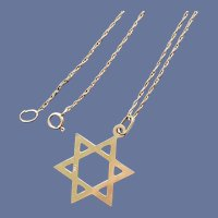 14K Yellow Gold Necklace Jewish Star of David Pendant