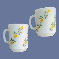 Anchor Hocking Coffee Cups Spiraling Yellow Roses
