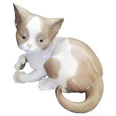 1981 Lladro Porcelain Cat Spain #5114