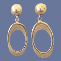 1960s Crown Trifari Earrings Gold Tone Elliptical Shape