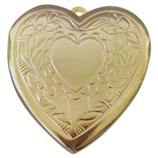 Embossed Heart Locket Button Cover Valentine's Day