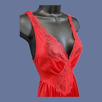 Vintage Olga Nightgown Lipstick Red Bust 36 Minty