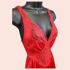 Vintage Olga Nightgown Lipstick Red Sized Medium Minty