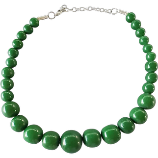 Bold Green Bead Necklace Graduated Plastic Beads