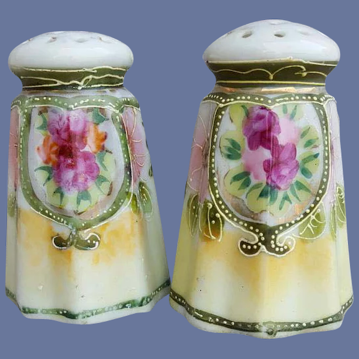 Nice Condition 2 Vintage  Gold Porcelain Salt and Pepper Shakers with corks