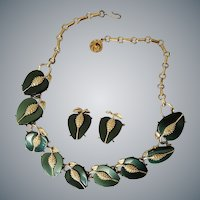 Lisner Parure Necklace Earrings Moonglow Lucite