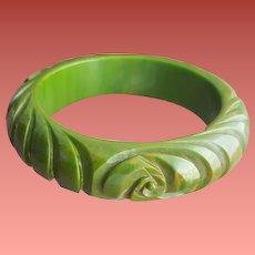 Bakelite Bangle Deeply Carved Gorgeous Green