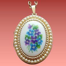 Vintage Picture Locket Violets and Tiny Faux Pearls Minty
