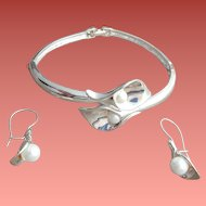 Bracelet with Pierced Earrings Calla Lily Parure