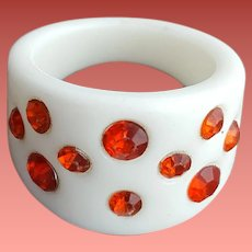 White Lucite Ring with Ruby Red Rhinestones Size 6-1/2