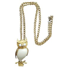 Jelly Belly Owl Necklace 1970s Wise old Owl
