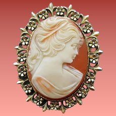 Large Costume Cameo Brooch Realistic Beauty