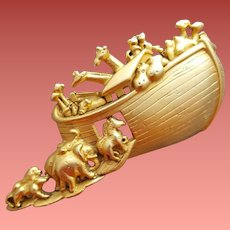 Noah's Ark Brooch Bible Story 3 inches