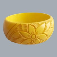 Wide Carved Bakelite Bangle Bracelet Golden Yellow