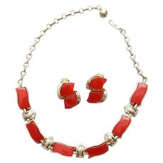 1960s Necklace and Earrings Parure Moonglow Lucite Warm Berry