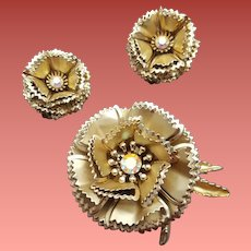 Brooch with Earrings Three Piece Gold Tone Metallic Set 3-D Construction