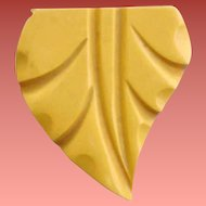 Carved Bakelite Dress Clip 1930s - 1940s Creamed Corn Fashion Accessory