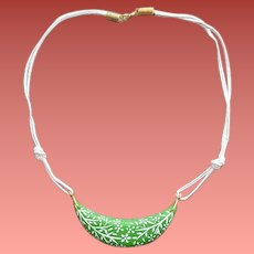 Vintage 1970s Necklace Green Crescent White Flowers