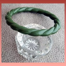 Lucite Bangle Bracelet Twisted Spinach Small