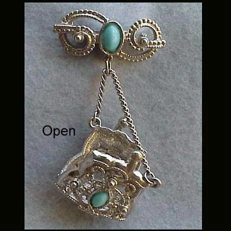brooch clasp dating