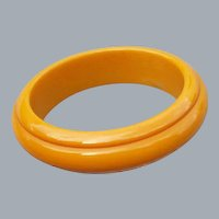 Carved Bakelite Bangle Bracelet Golden Yellow