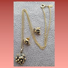 Vintage Necklace Earrings Russian Gold Tone Grapes