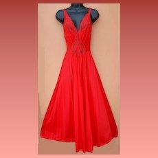 Vintage Olga Nightgown Roaring Red Size Medium M Lace Bodice