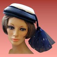 1940s - 1950s Vintage Hat With a Flourish a Design Original New York - Paris