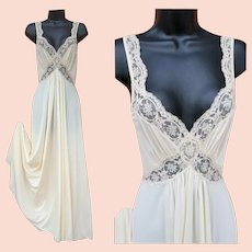 d7609d6e9aa Vintage Olga Nightgown Body Silk Size Small S