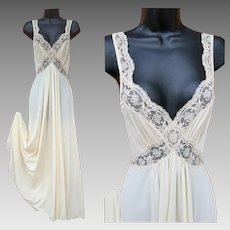 Vintage Olga Nightgown Body Silk Creamy White Size Small S
