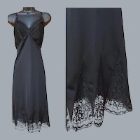 1950s Full Length Black Slip Cathedral Lace Size Large