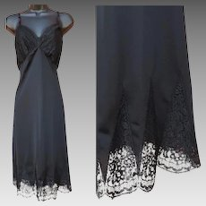 1950s Full Length Black Slip with Cathedral Lace Size Large
