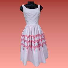 1960s Cotton Bombshell Dress Embroidered Cotton Size Small