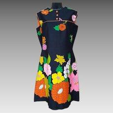 1960s Dress Pop Art Hawaiian Flower Motif Medium - Large