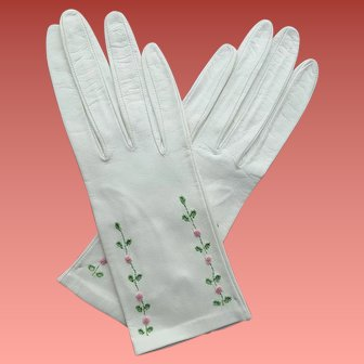 White Kid Leather Gloves with Roses 1960s Size Small