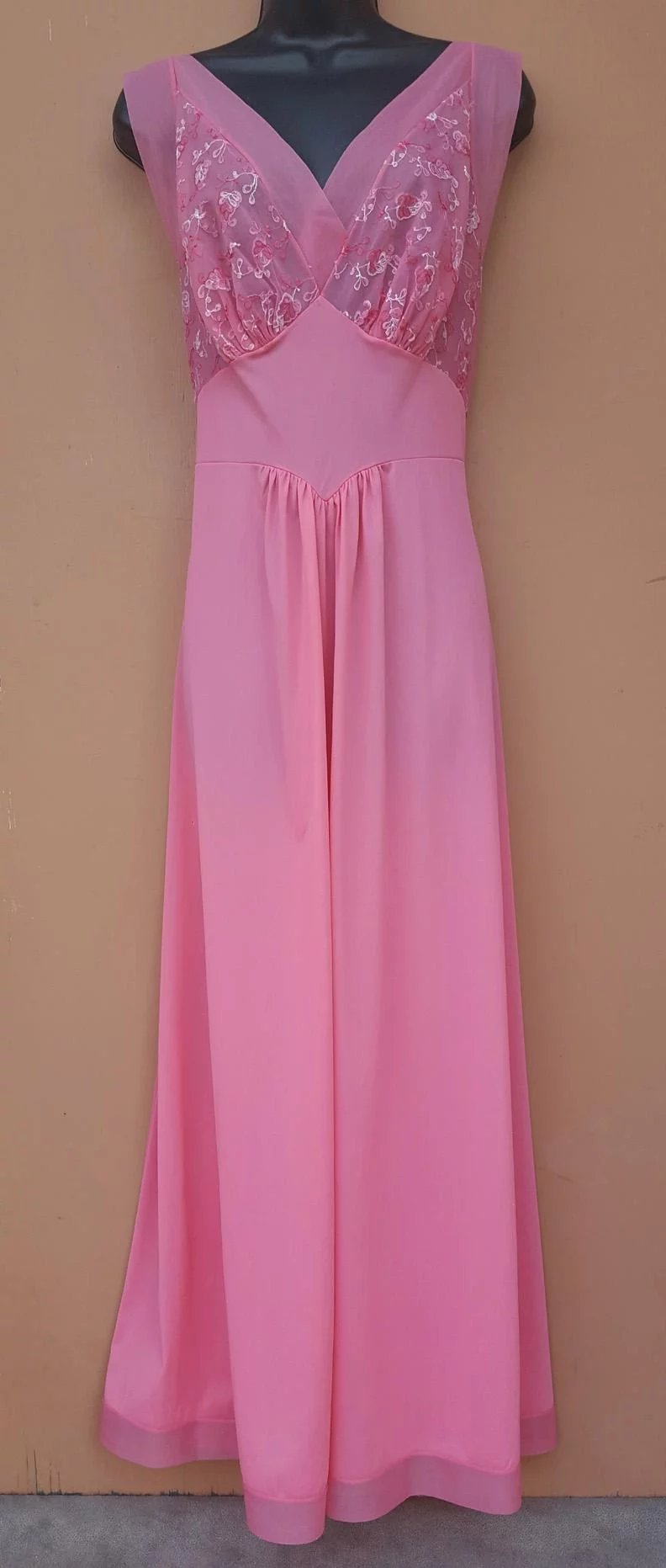 1950s Pink Nightgown Illusion and Embroidery Bust 36 : Toinette\'s ...