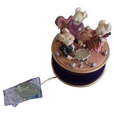Vintage Enesco Music Box with 3 Little Mice Playing Music