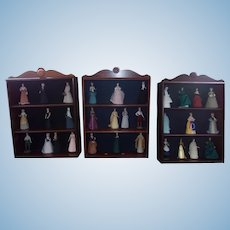 Great Vintage Set of 31 Dolls of History with Cases