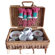 A Sweet Tea Set for Your Dollies ! In a Great Wicker Picnic Basket !