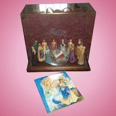 United States Historical Society Set of 12 Dolls