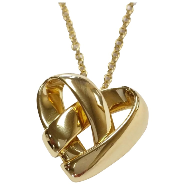 Van cleef arpels 18kt knotted heart pendant krikorian jewelers van cleef arpels 18kt knotted heart pendant aloadofball Image collections