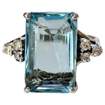 12kt Aquamarine and Diamond Ring
